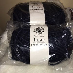 Indie navy blue super bulky yarn 87yds
